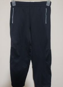 Boys Air Jordan Brand Therma-Fit Pants Size Medium